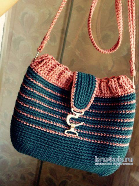 Женская молодежная сумочка крючком. Работа Аксиньи Григ вязание и схемы вязания