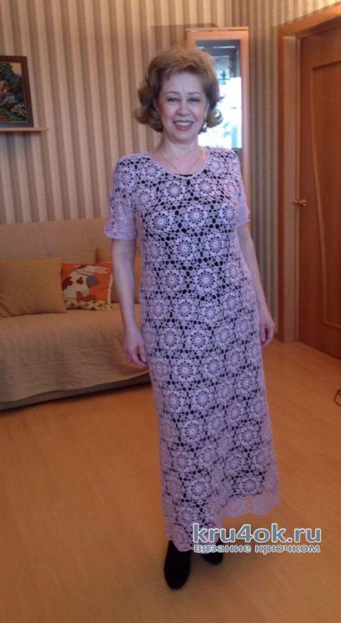 Женское платье, связанное крючком из мотивов. Работа Марии Григорьевой