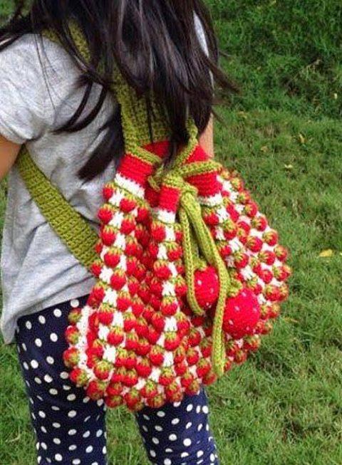 Детский рюкзак с клубничками