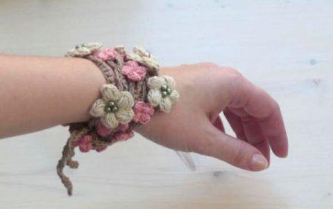 Вязаное украшение цветочный шнурок