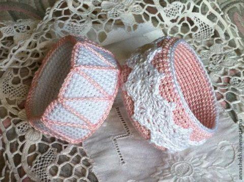 Вязаное крючком украшение - широкий браслет