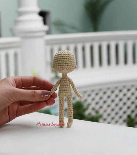 Вяжем крючком самую простую каркасную куклу