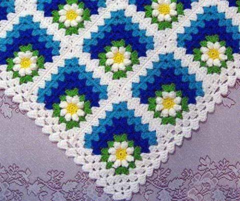 Плед для новорожденного из мотивов бабушкин квадрат
