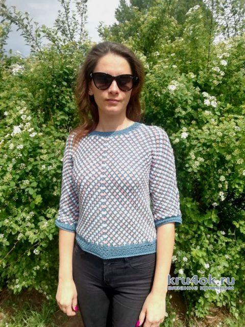 Женский вязаный пуловер. Работа Евгении Руденко