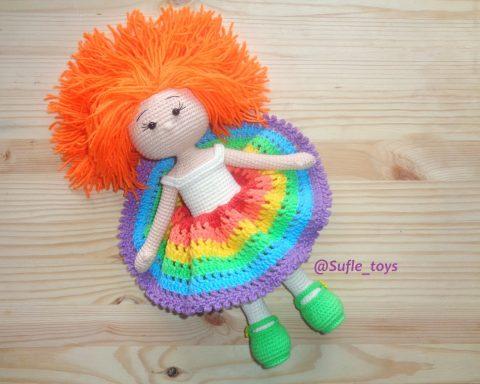 Радужная девочка или как связать куклу крючком