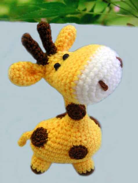 Маленький жираф крючком