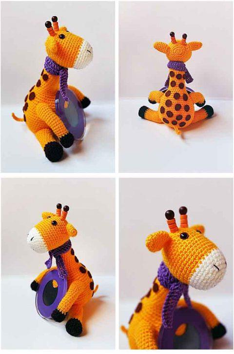 Жираф с зеркалом, связан крючком