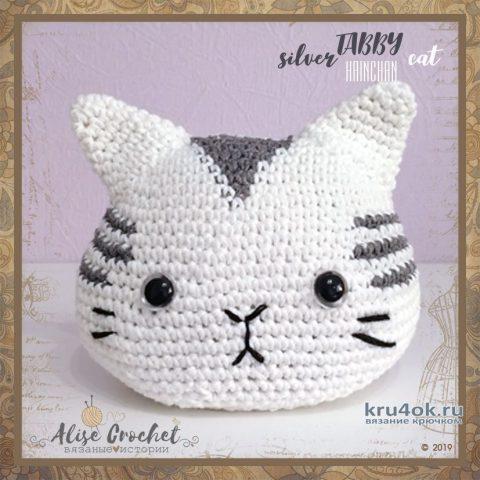 Серебряный полосатый кот ТАББИ с рыбкой вязание и схемы вязания