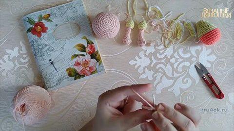 Маленькая миленькая кукла Алиса крючком вязание и схемы вязания