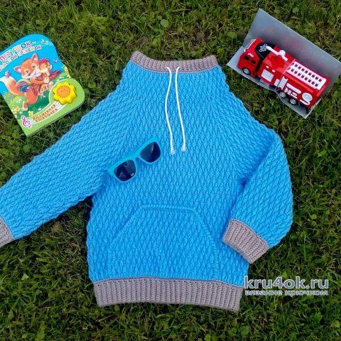 Вязаный свитер для мальчика. Работа Ольги Каштановой