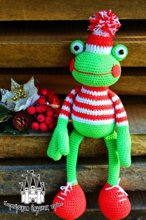 Новогодний лягушонок