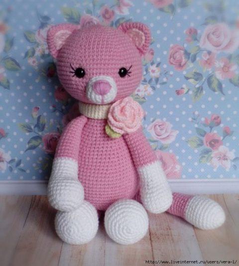 Как связать розовую кошку крючком