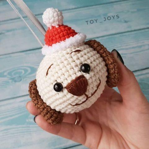 Новогодняя игрушка шарик крючком