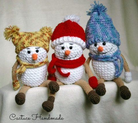 Вязанные крючком снеговики от Анастасии Макеевой
