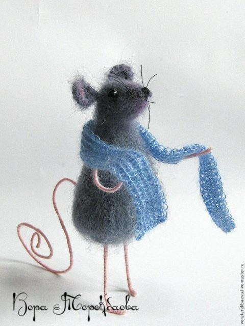 How to crochet a cute mouse - a symbol of 2020
