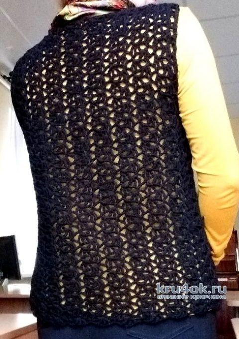 Женский ажурный жилет связанный крючком. Работа Елены Шевчук вязание и схемы вязания