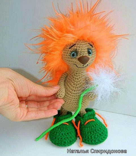 Hedgehog Scarce crochet by Natalia Spiridonova