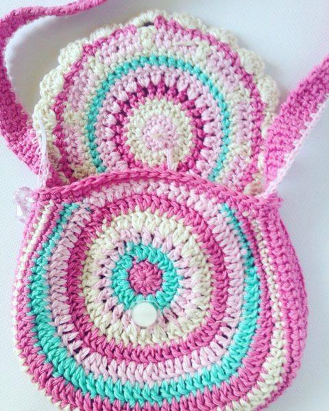 Летняя стильная сумочка для девочеккрючком