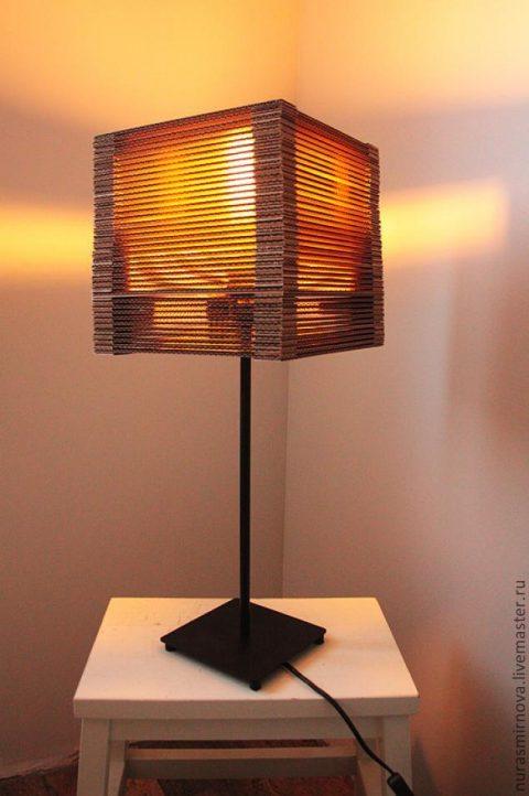 Очень простой светильник из картона своими руками