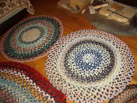 Как сделать коврик своими руками из косичек