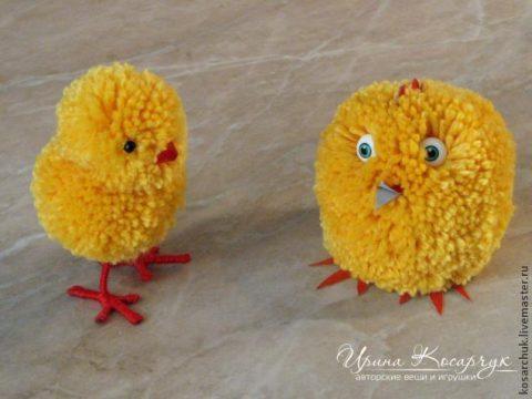 Пасхальный цыпленок из помпона