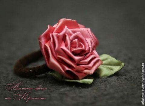 Делаем розу из атласных лент в технике канзаши
