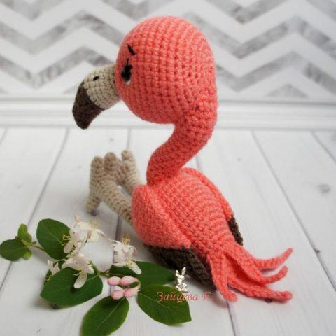 Малыш фламинго, связанный крючком 1
