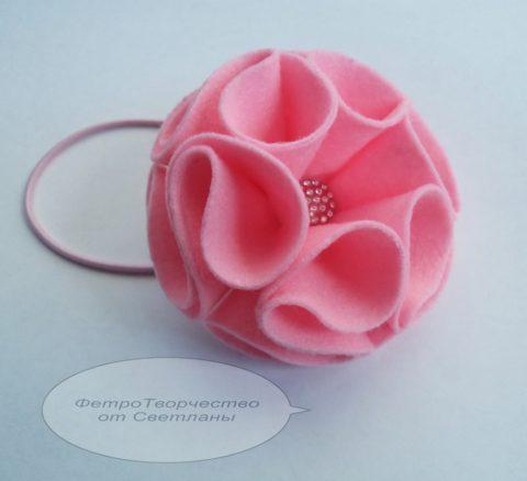 Объемный цветок - украшение из фетра для волос