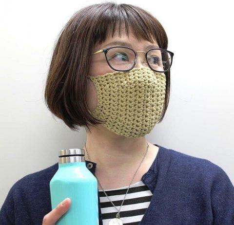 Предлагаем еще две схемы для вязания маски крючком