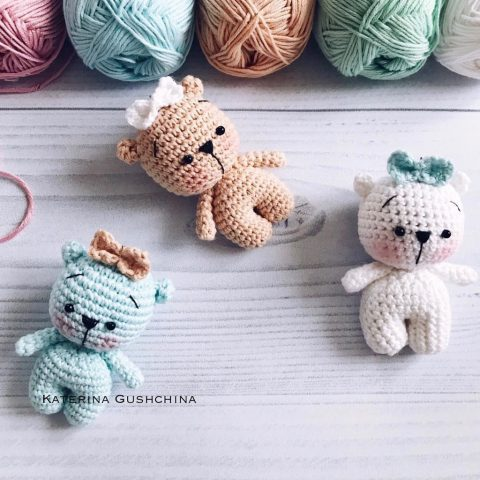 Мишки-малышки крючком