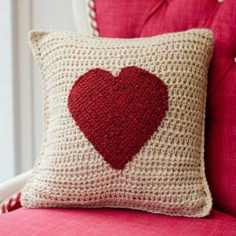 чехол для подушки с сердечком