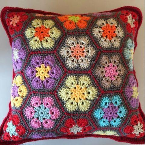 чехол для подушки на основе африканского цветка