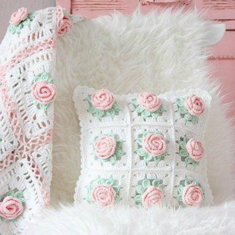 чехол для подушки с розами