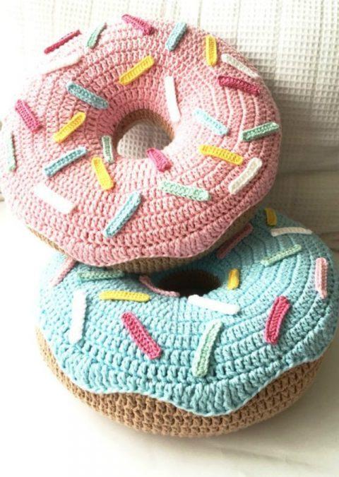 Чехол для подушки пончик