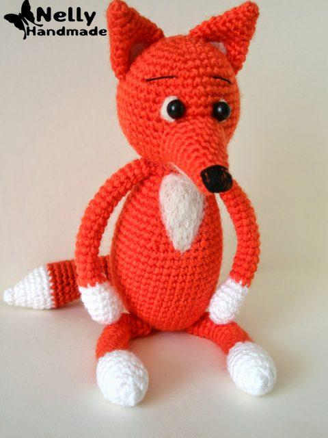 Любопытная лиса - игрушка, связанная крючком