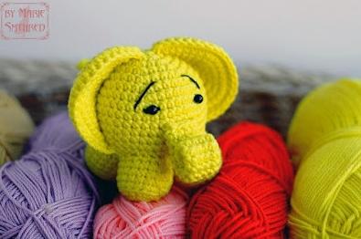 Маленький грустный слоник крючком