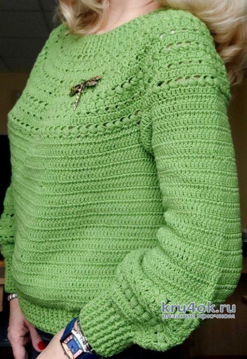 Джемпер с круглой кокеткой, связанный крючком. Работа Елены Шевчук