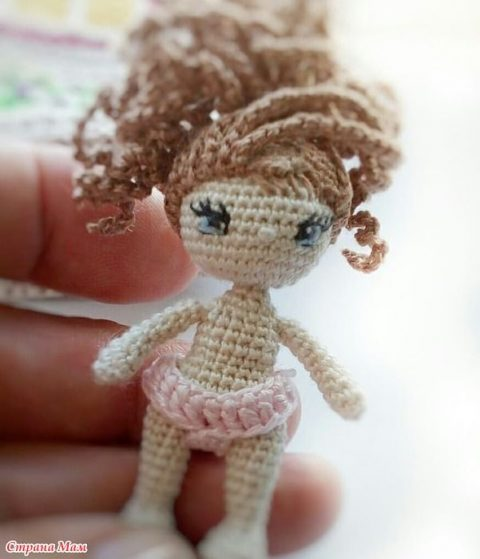Кукла Ева, связанная крючком и ее домик 10
