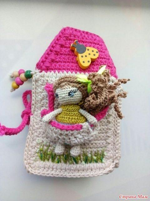 Кукла Ева, связанная крючком и ее домик 4