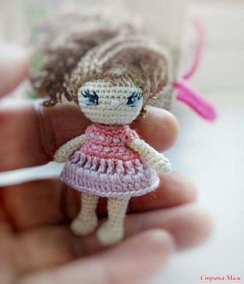 Кукла Ева, связанная крючком и ее домик 5