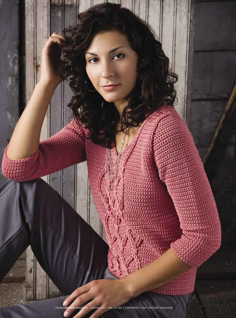 Красивый женский пуловер с косами крючком