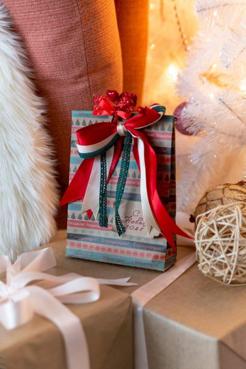 Как оригинально упаковать подарок, чтобы удивить близких