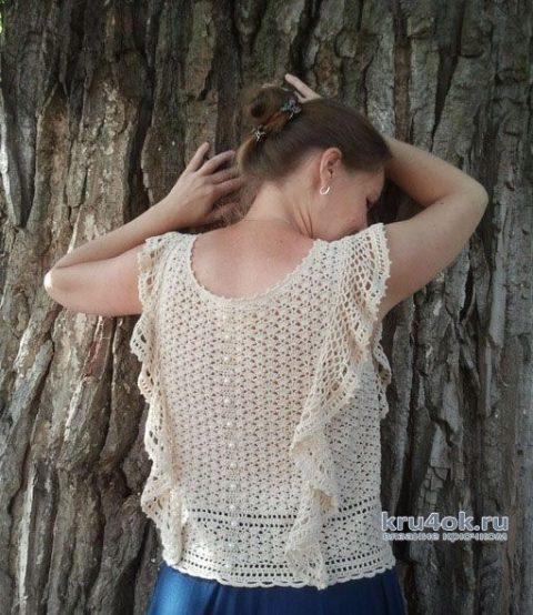 Блуза крючком с вертикальными воланами Вне времени. Работа Алены Салимсаковой вязание и схемы вязания