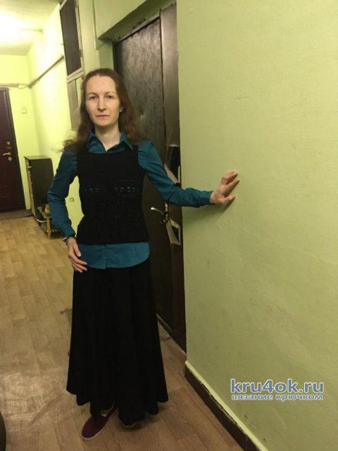 Женские жилеты, связанные крючком. Работы Светы Медведевой вязание и схемы вязания
