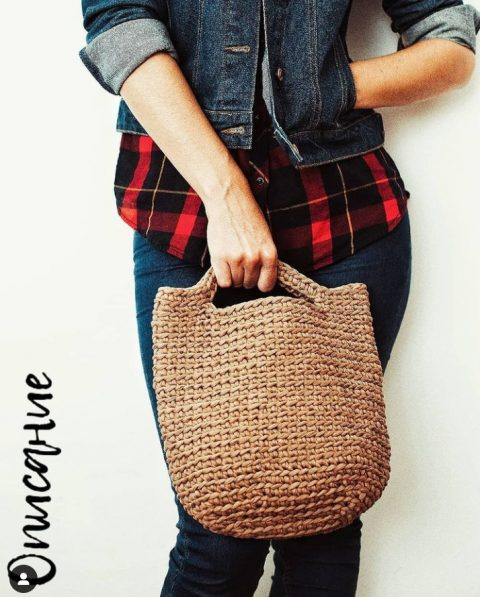 Вяжем летнюю сумку крючком из трикотажной пряжи