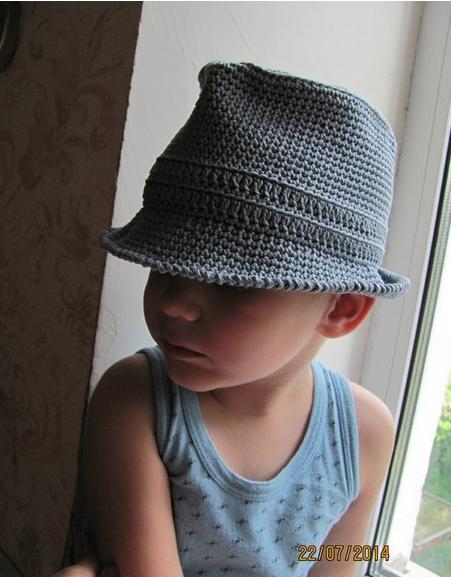 Шляпа федора крючком связана для мальчика 3-х лет