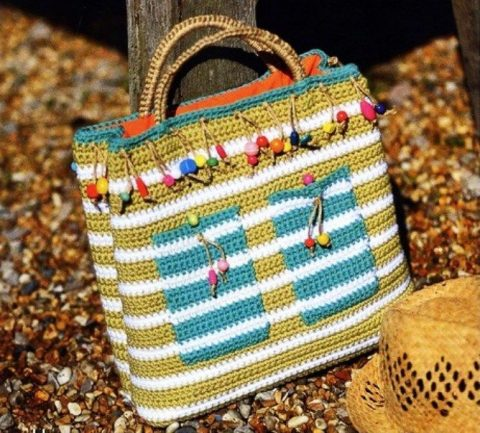 Полосатая летняя сумка крючком