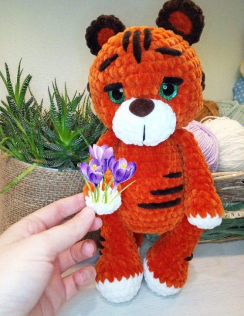 Плюшевый тигр амигуруми (символ 2022 года)