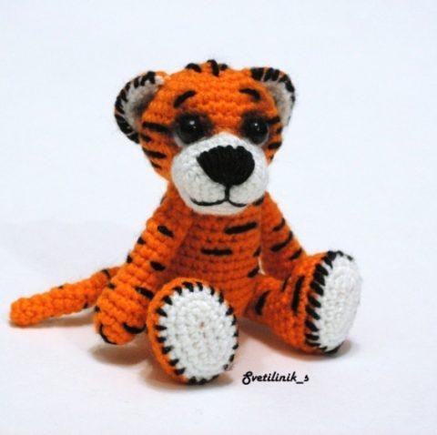 Красивый тигр крючком (символ 2022 года)