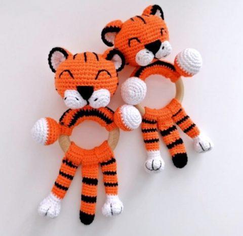 Тигр погремушка крючком